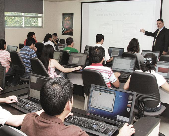 Alumnos en programa desarrollo de talento